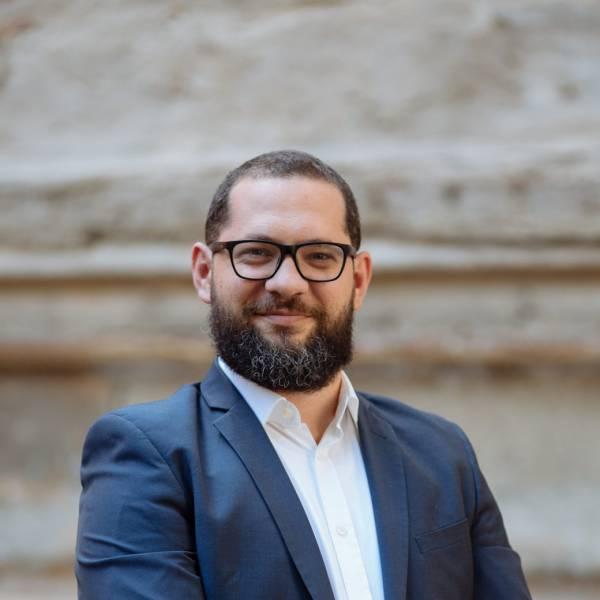 Andrei Albu - Management Consultant & Manager Financiar
